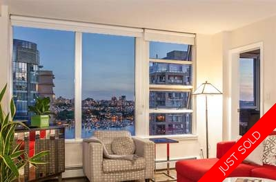 Yaletown Condo for sale: Crestmark II 2 bedroom 964 sq.ft. (Listed 2017-06-27)